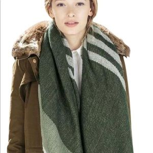 Zara Green Grey Scarf
